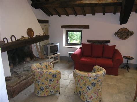 casa con camino vacanze con camino in italia idealista news