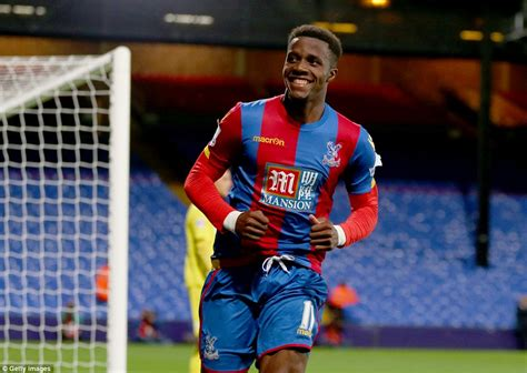 buy house crystal palace wilfried zaha agrees to buy seven bedroom 163 2 5m surrey mansion belonging to late