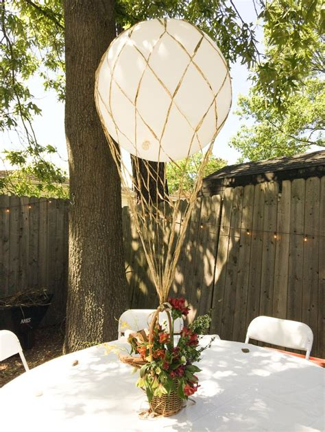 air balloon centerpieces best 25 balloon centerpieces wedding ideas on