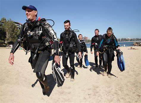 dive master padi new year new career becoming a padi divemaster