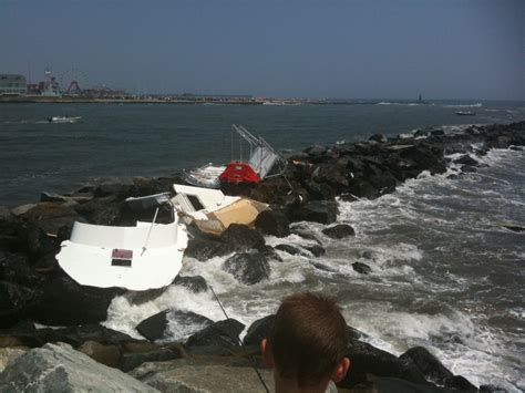 boat accident in ocean city maryland inlet the hull - Public Boat R In Ocean City Md