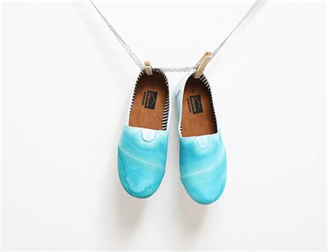 ombre shoes diy diy dip dyed ombre shoes a craft in your day