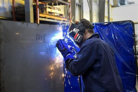 electric boat welding state s sub suppliers preparing for construction boom