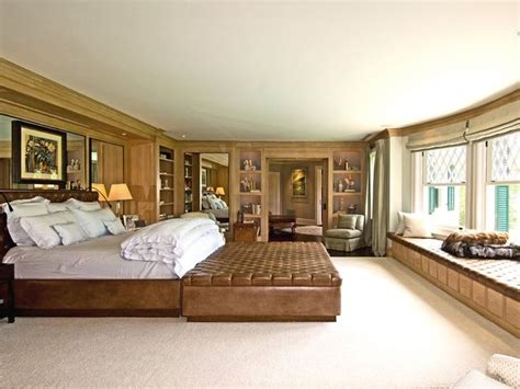 how big is a master bedroom 102 best images about master bedrooms on pinterest