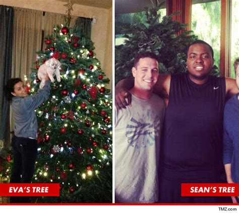 Longoria Is Gonna Get Paid by Longoria And Kevin Smith Rockin Around The Tree