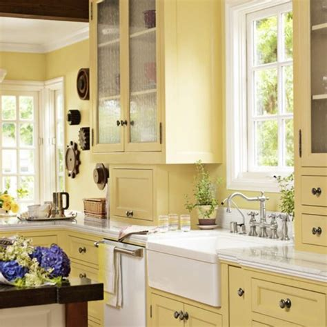 6 colorful kitchens we
