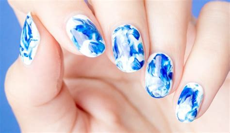 water marble nail art tutorial in hindi indian fashion blog magazine latest fashion tips trends