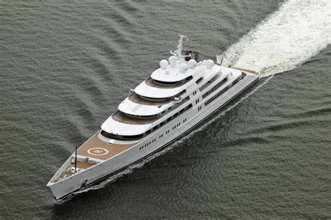 azzam yacht interni foto azzam lo yacht che batte abramovic 232 lungo come due