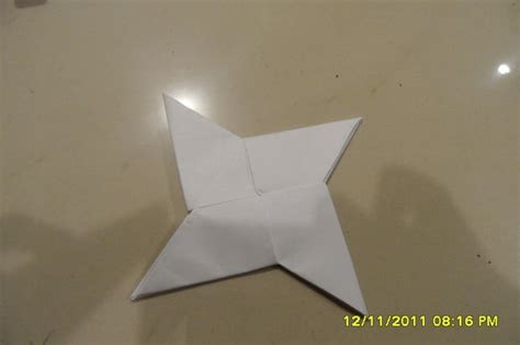 How To Make A Shuriken Out Of Paper - how to make a paper shuriken