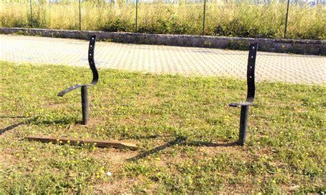 comune di mira ufficio tributi ennesimo attacco vandalico ai giochi parco nel