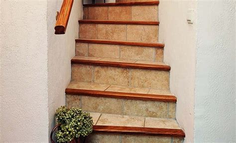Comment Refaire Des Escaliers by Refaire Le Carrelage D Un Escalier