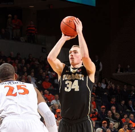 No More Fulll Time Mba For Wakeforest by Former Forest Forward Cavanaugh Transfers To