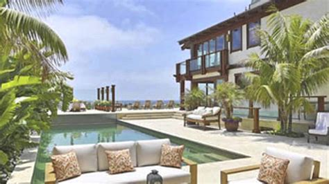 picture of houses rent pierce brosnan s malibu home for 250 000 a month