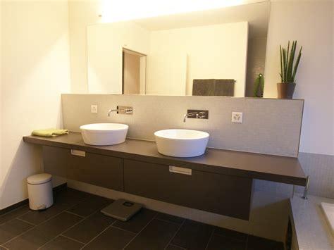 modernes badezimmer licht badezimmer badezimmerm 246 bel innenausbau waschtische