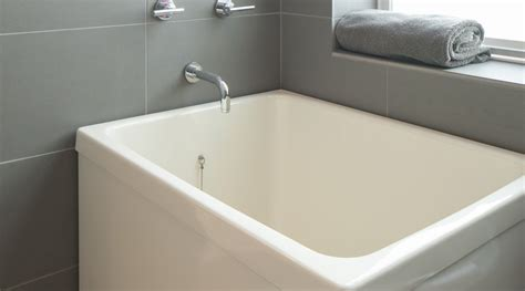 Soaking Bathtub by Ofuro Soaking Tubs Vs American Style Bathtubs Hammer