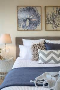 blue and white shabby chic bedroom 25 best ideas about navy blue bedrooms on
