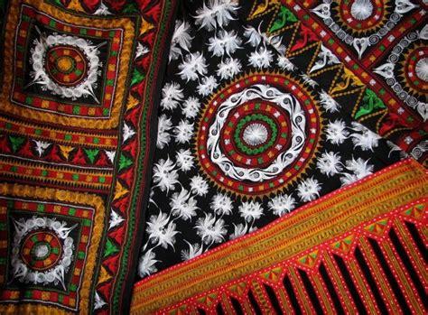 Tas Travel Kecil Motif Aceh kerawang kerajinan bordir suku gayo aceh tourism agency