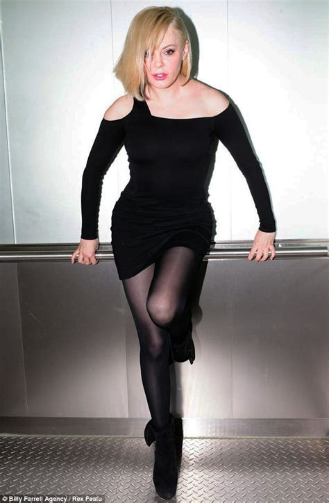 rose mcgowan tight dress rose mcgowan shows off lighter locks and her shape in