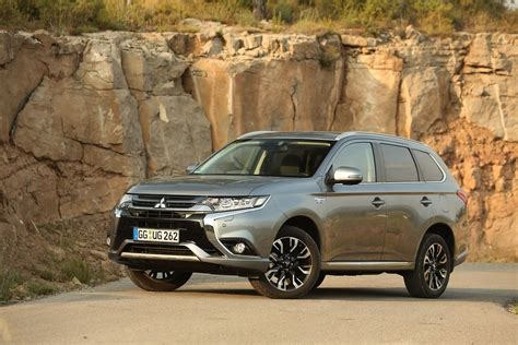 mitsubishi outlander 2016 black refreshed mitsubishi outlander phev to be presented at the