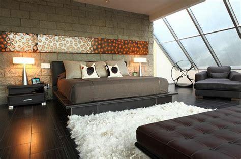 how to seduce a man in the bedroom d 233 coration murale originale l art envahit l espace