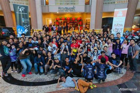foto imut anime paling beruntung ulang tahun ke 2 itasha indonesia kumpulnya komunitas