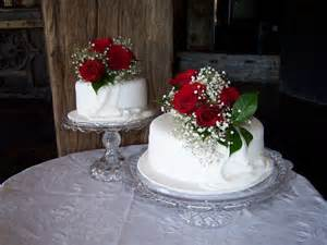 how to make a two tier wedding cake two tier wedding cake cakecentral