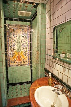 spanish bathroom tile 111 best spanish revival bathroom images on pinterest