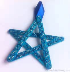 To learn how to make this kind of star please check out the