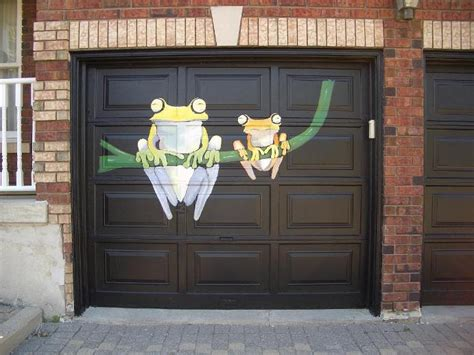 Garage Door Graphics by Garage Apartment Door Garage Door Repair At An Apartment