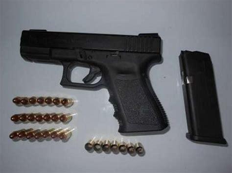 acquistare armi senza porto d armi va in montagna a sparare porto di pistola denunciato