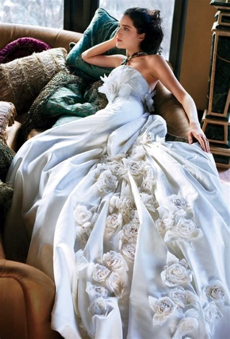 Amazing Wedding Gowns by Various Points Of View The Amazing Wedding Gowns Design2