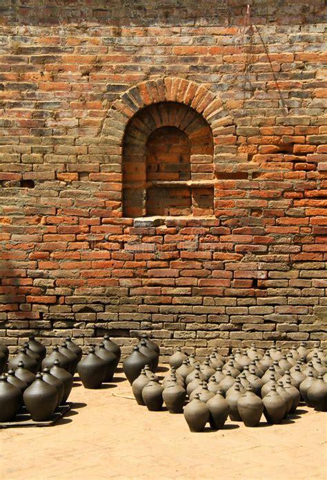 argilla per vasi i vasi dell argilla hanno mantenuto per l essiccamento con
