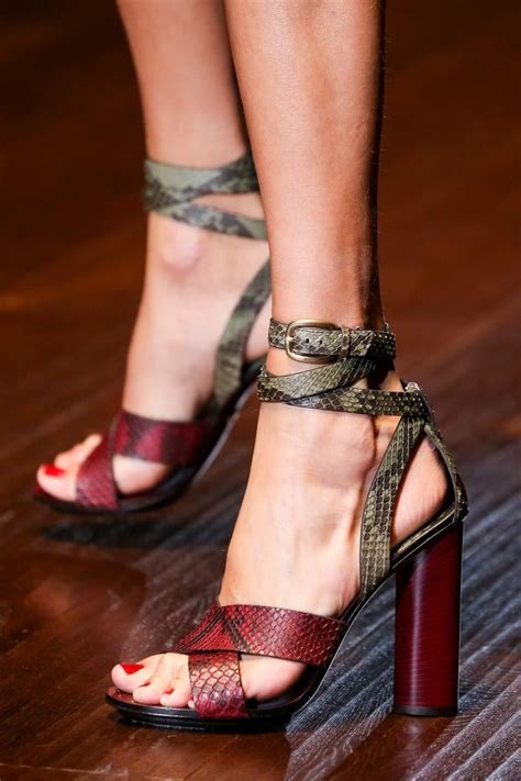 what s shoes are in style for summer 2019 fashiongum