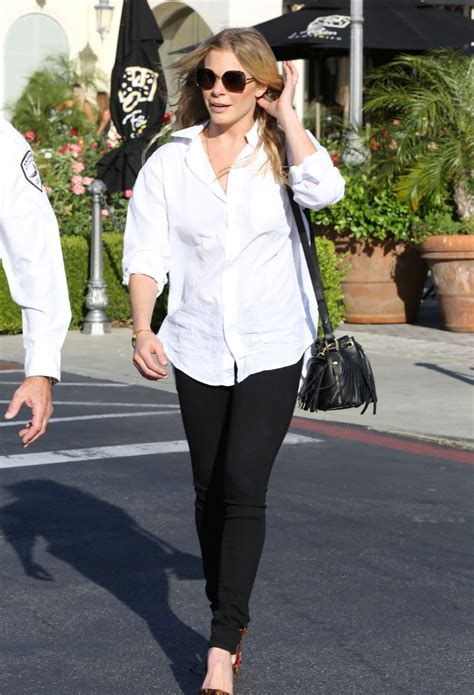 Style Leann Rimes by Leann Rimes Casual Style Out In Calabasas April 2015