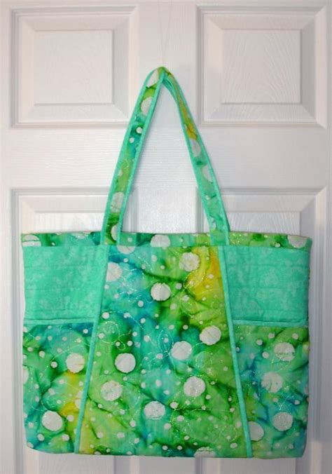 bold and beautiful quilted tote bag by barbara weiland