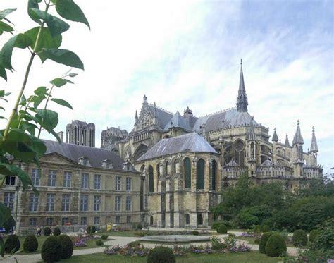 le tau panoramio photo of la cath 233 drale de reims et le palais