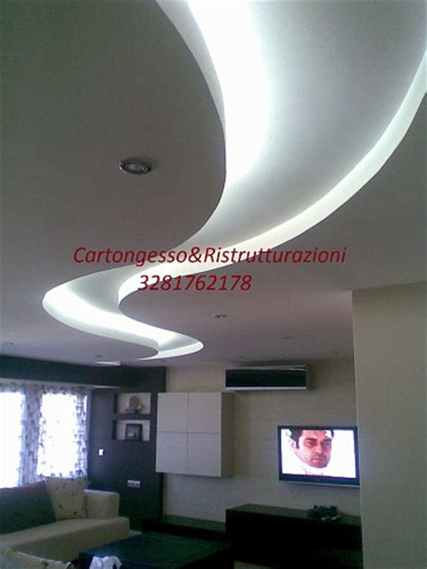 posa cartongesso soffitto soffitto in cartongesso con nicchia ristrutturazione di