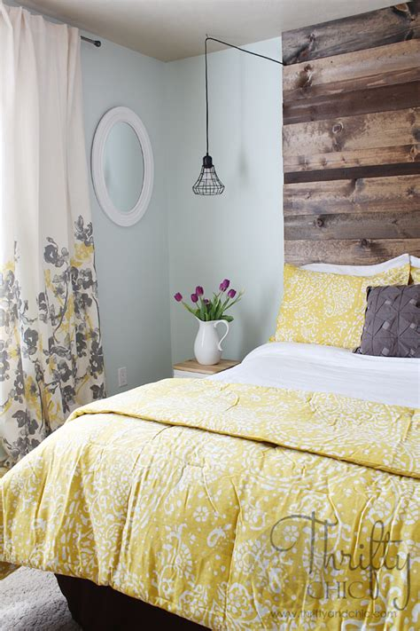 Light Yellow Bedroom Decor by Guest Bedroom Reveal With Sherwin Williams And A Giveaway