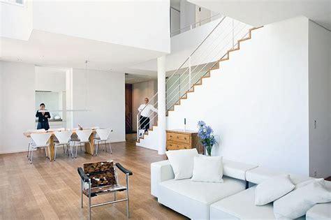 wohnideen offenes wohnzimmer einrichten f 252 r minimalisten offenes wohnzimmer ihn