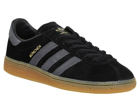 Adidas Munchen Snakers adidas munchen trainers black grey gum trainers shoes ebay