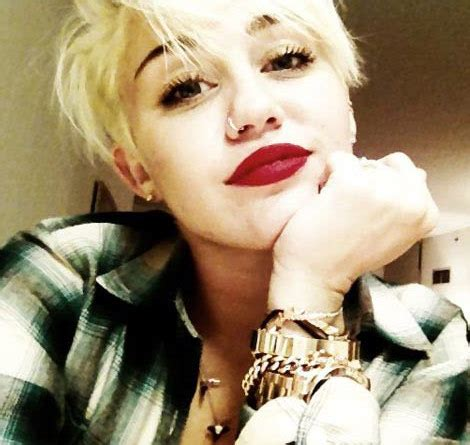 what do you call miley cyrus haircut breaking news miley cyrus rescued from potential assassin