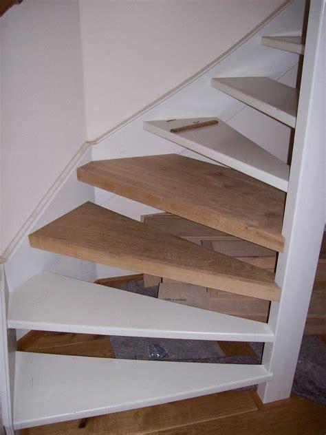 trap met hout bekleden trap bekleden met steigerhout gelakt hout verven zonder