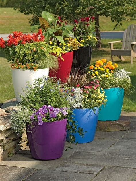 Large Outdoor Planter Ideas by 25 Best Ideas About Large Flower Pots On