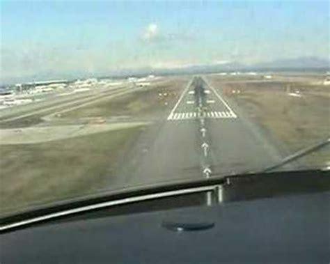 atterraggio aereo dalla cabina atterraggio all aeroporto di malpensa