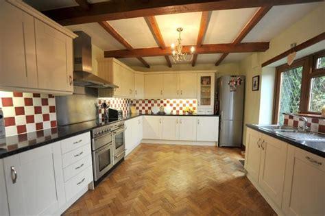 parquet per bagni e cucine tappeto parquet cucina migliori idee su tappetino cucina