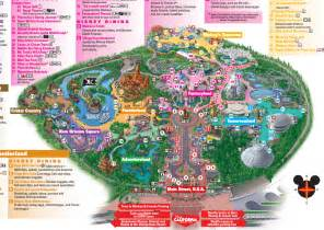 map of california adventure 8 differences between disneyland and disney s california