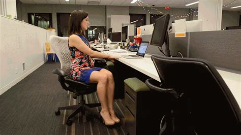 Ab Workout At Your Desk by What To Do If You Sit All Day Wellness Purewow
