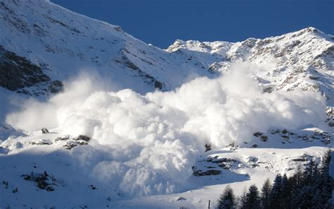 Corniced Avalanche Photos Diagrams Amp Topos Summitpost
