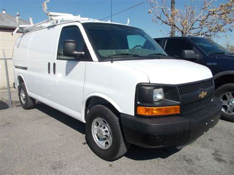 electric and cars manual 2010 chevrolet express 1500 user handbook service manual 2010 chevrolet express plenum remove service manual removing and replacing