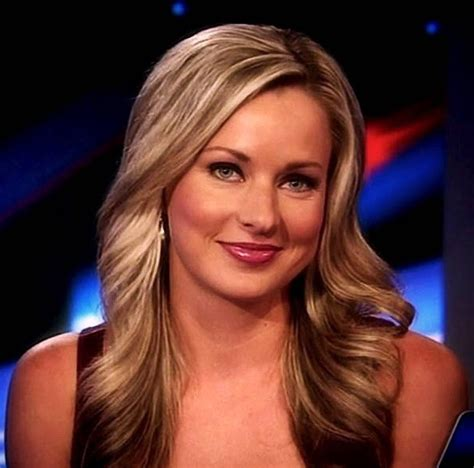 info about the anchirs hair on fox news sandra smith hottest photos of the fox news anchor